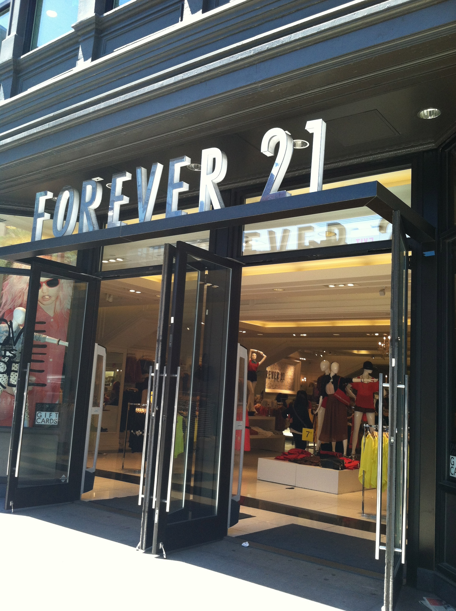 Clothing Stores On Newbury St